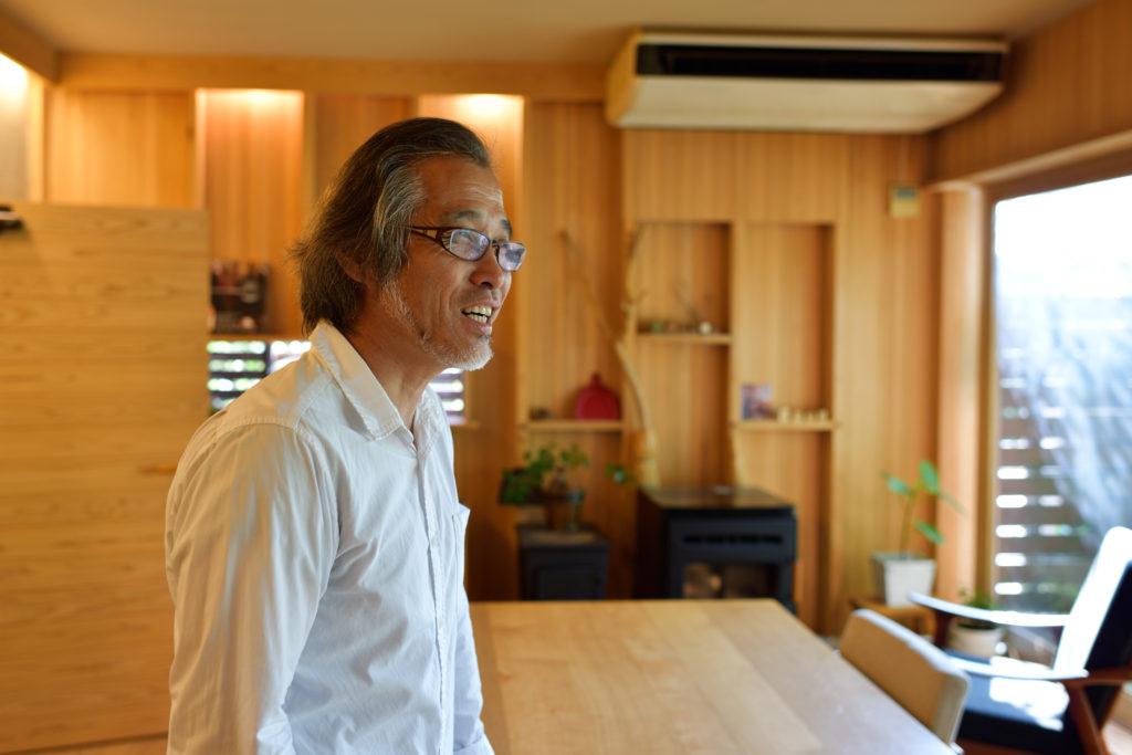 独特の家づくり手法を確立した水田和弘さん。