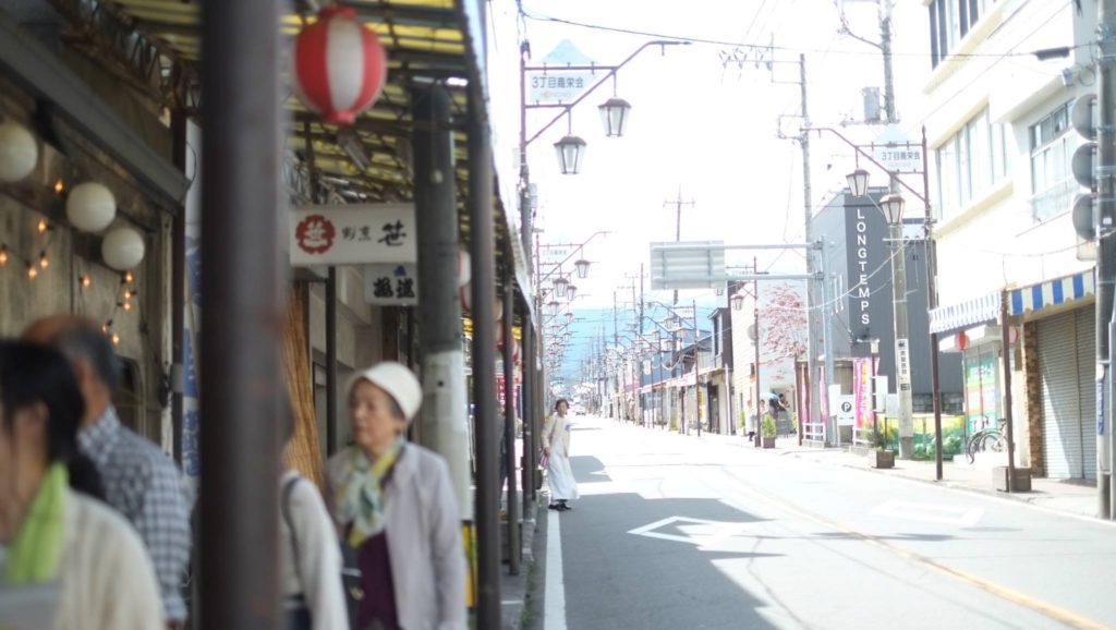 富士吉田のまちから富士山