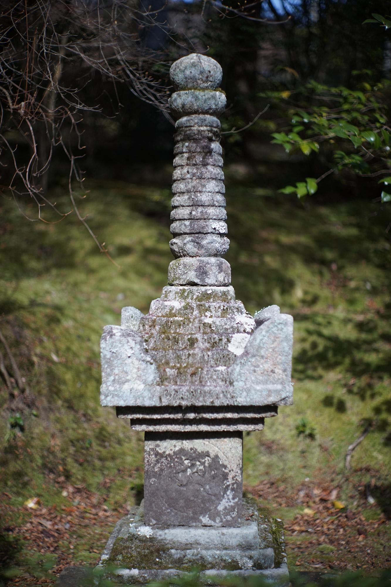 松澤穣暮らしを映すカメラ今月の3題 供養塔