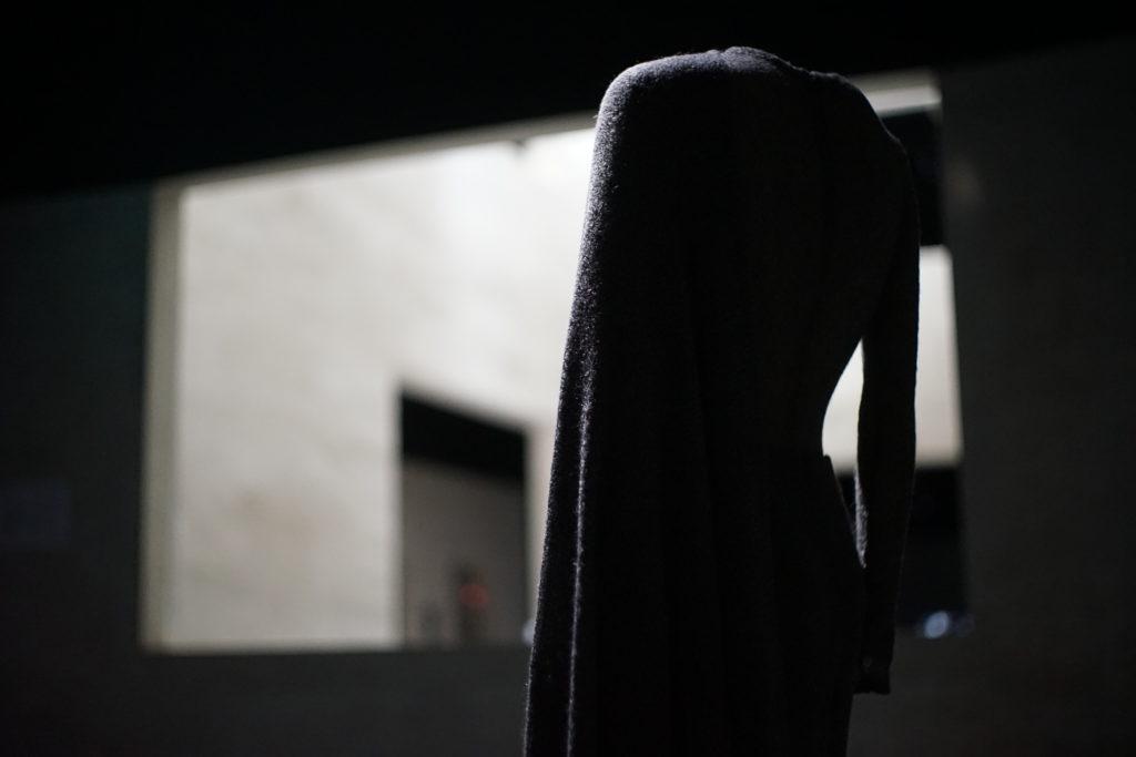 松澤穣写真アルマーニ美術館Armani Silosアルマーニ美術館ニット