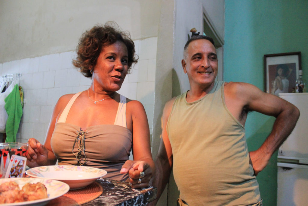 キューバのご夫婦、妻のアイマラさんと夫のマジートさん