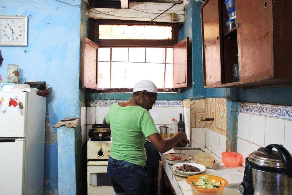 キューバ人の仕出し料理屋を営む女性、タマラ・サポティンさん