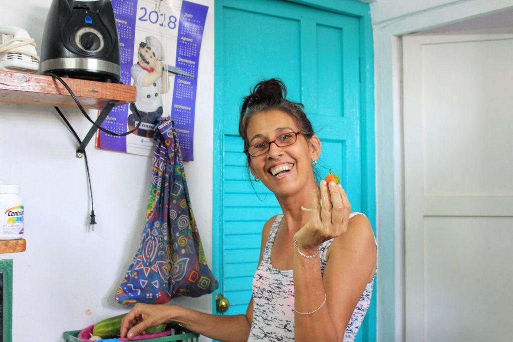 キューバのカサ・パルティクラルの奥さん