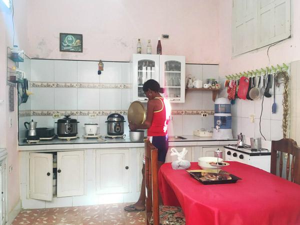 世界のキッチン おじゃまします! <br />配給制度が残る国・キューバで見た6つのキッチン