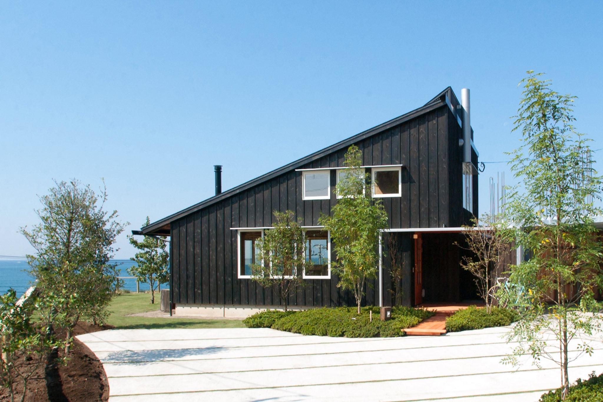 鹿児島県日置市シンケンスタイル迫英徳設計片流れ屋根の外観