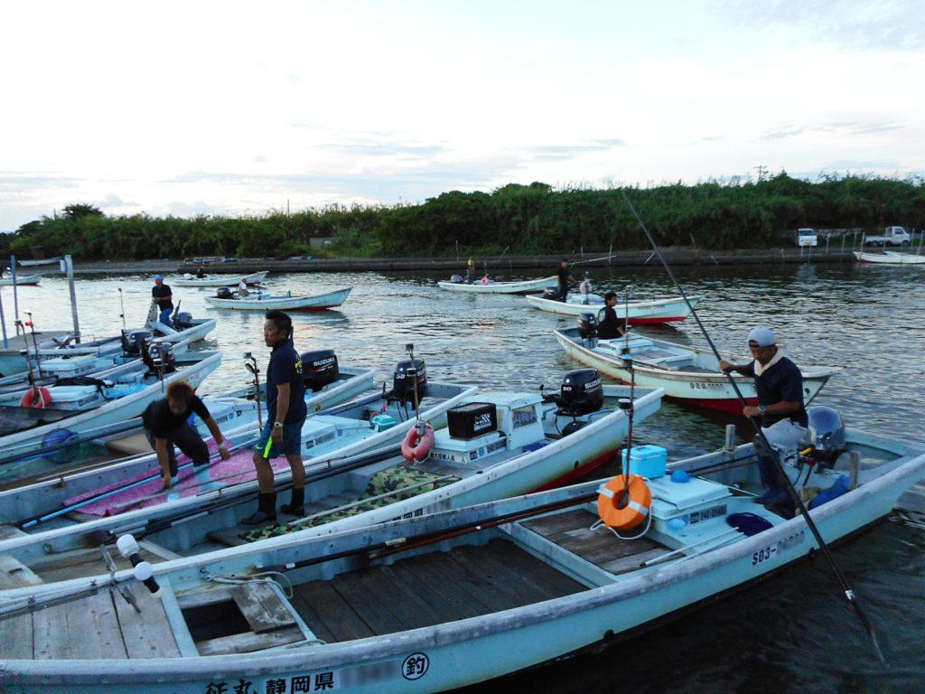 たきや漁の漁船