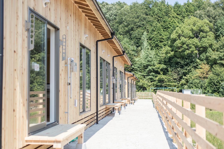 広島豪雨災害の応急仮設住宅の日当たりの良い掃き出し窓