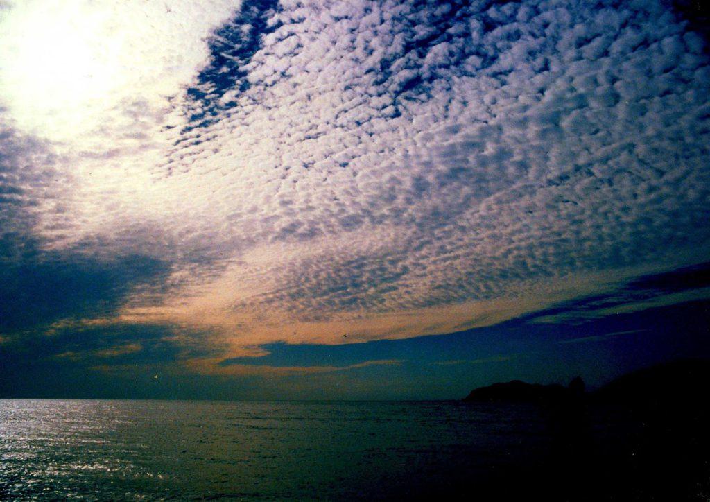 鯖雲または巻積雲
