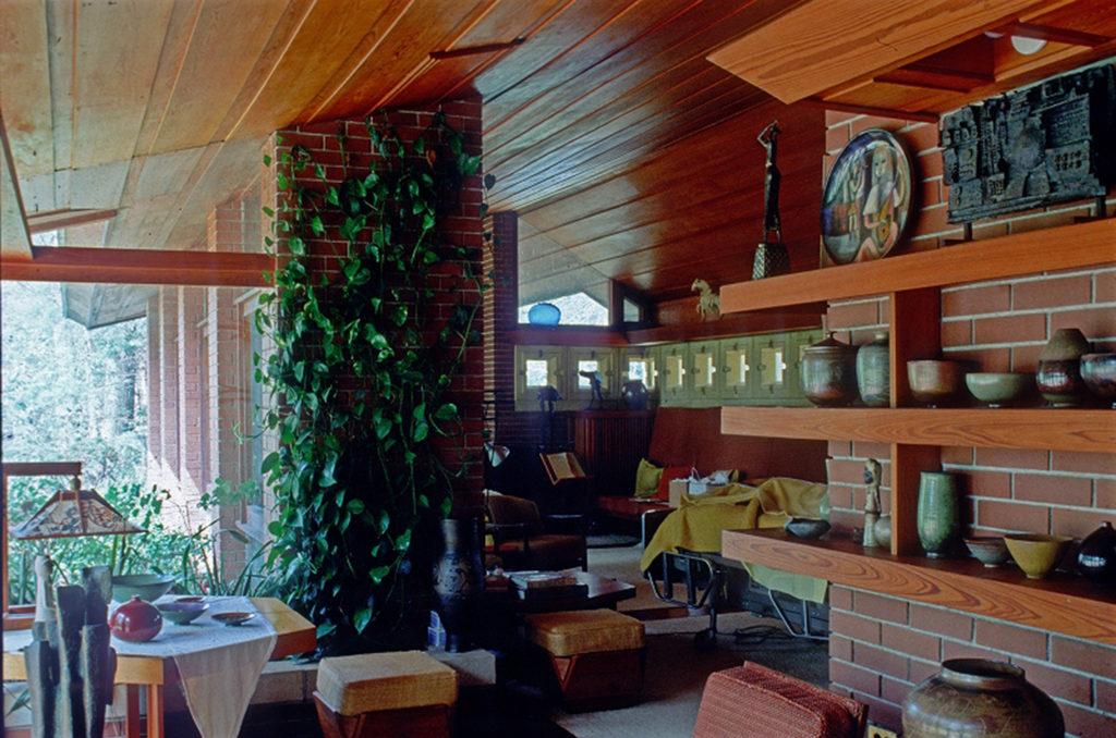 フランク・ロイド・ライト設計Zimmerman Houseのリビング