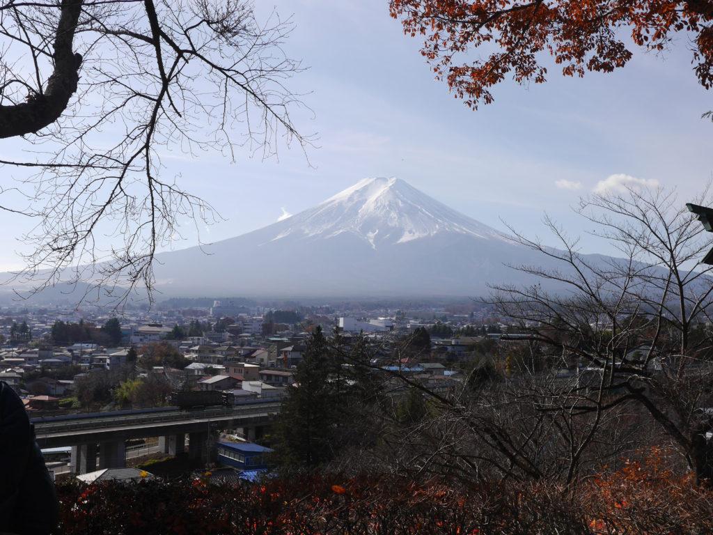 新倉山浅間神社から見える富士山
