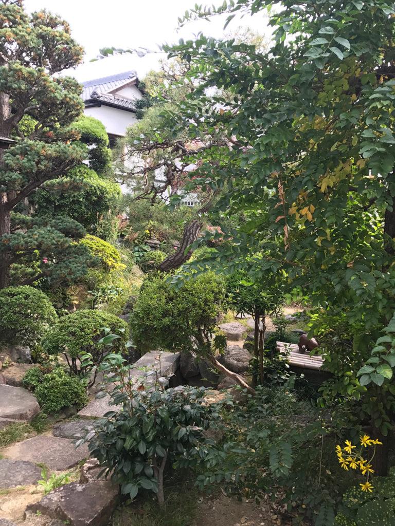 常衛門食堂の庭
