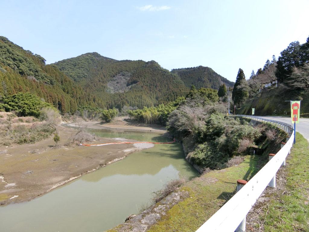 寺内ダム付近