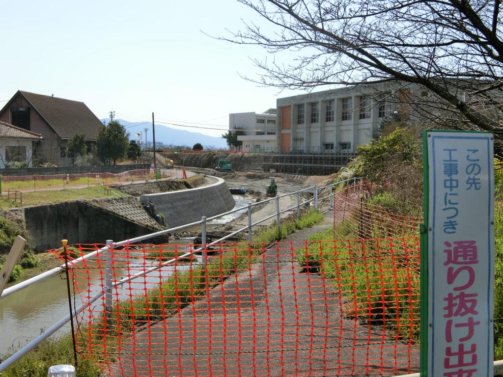 比良松中学校近くの復旧作業