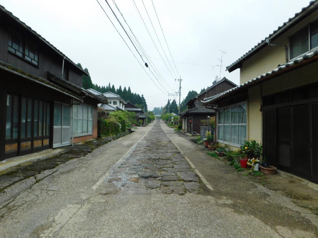 今市の石畳街道登り口
