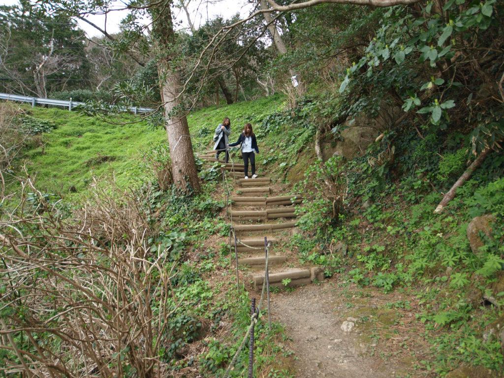 伊豆の室岩洞への階段