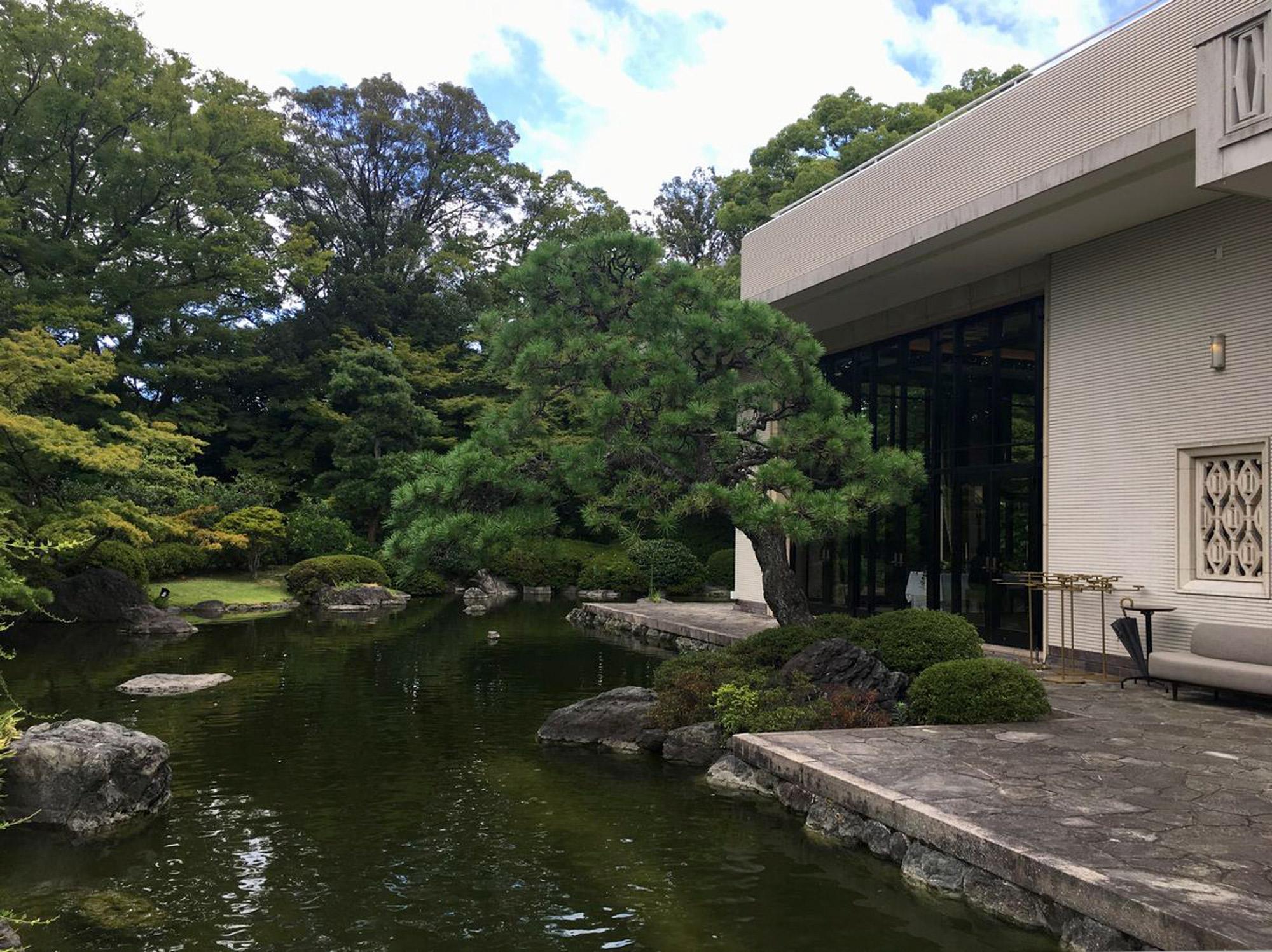 ザ・ガーデンオリエンタル・大阪の池