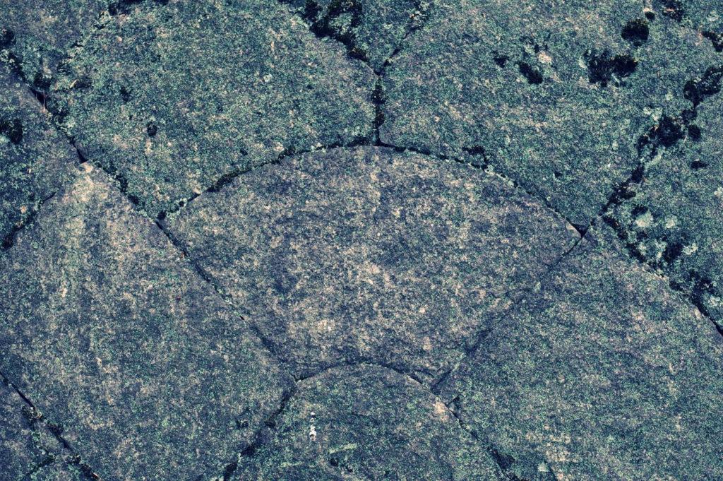 扇形の石がある石垣