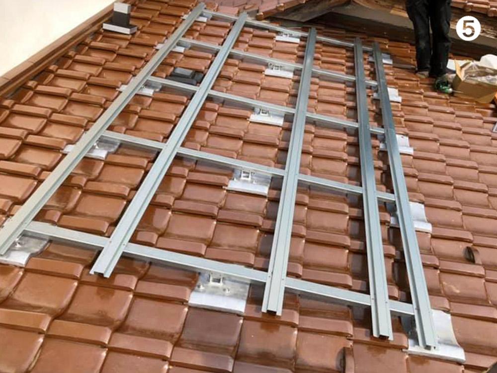 屋根の空気集熱パネル設置用架台