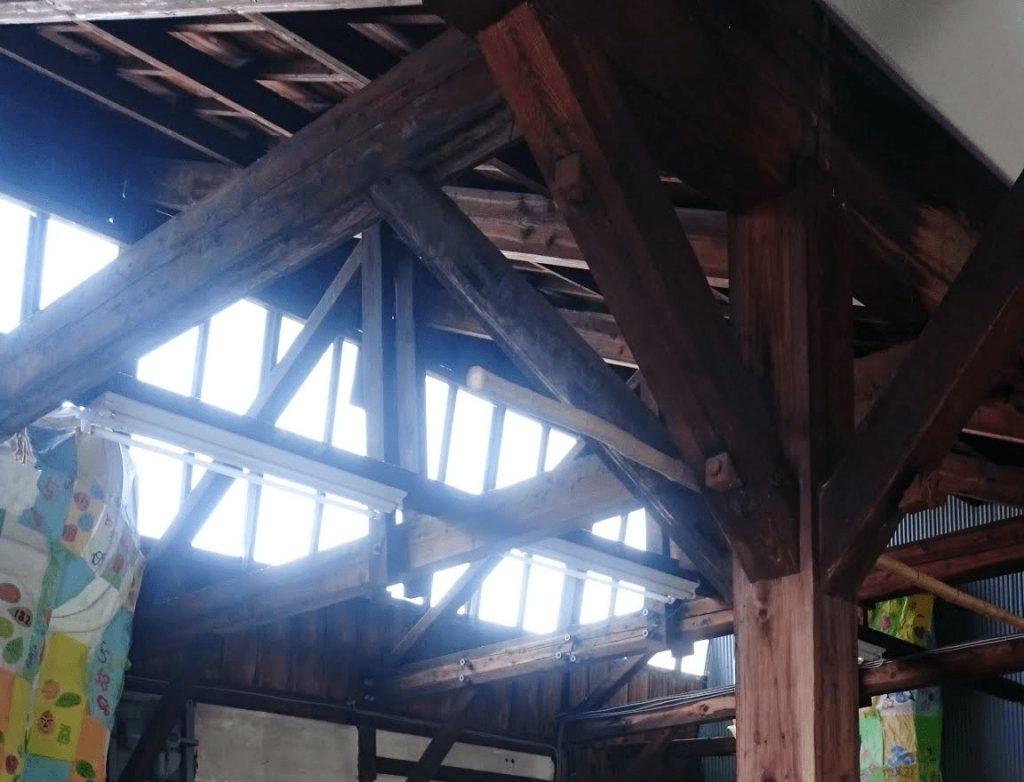 ノコギリ屋根の繊維工場