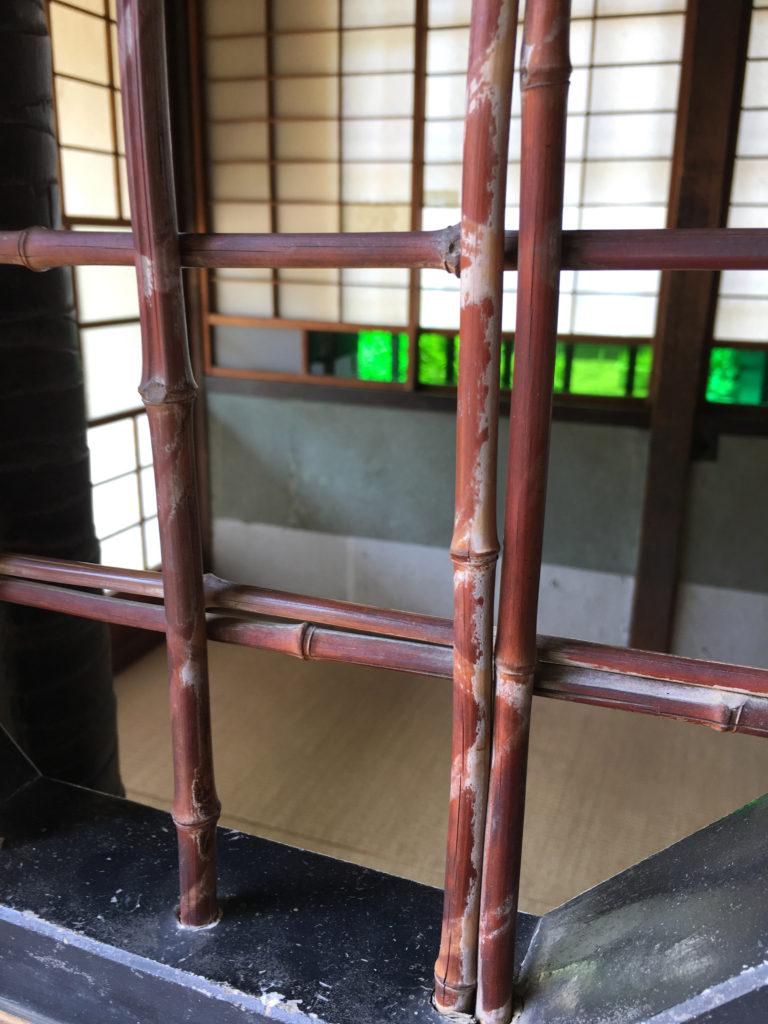 帳場座敷の格子窓