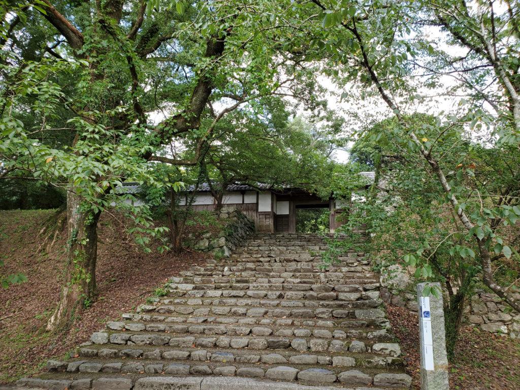 福岡長屋門の石階段