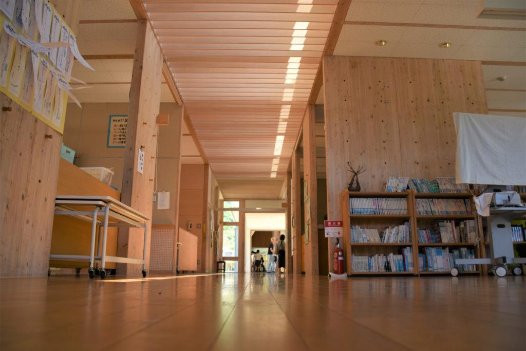 光と風通しの良い校舎