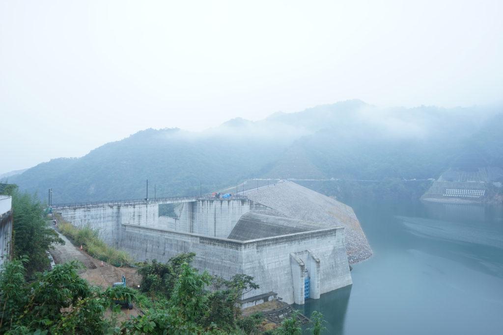 ダムの取水設備のコンクリート壁