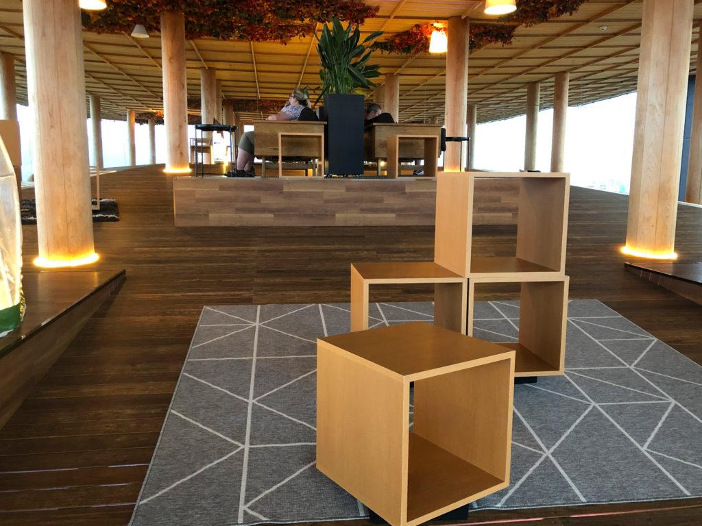 広島おりづるタワーの屋上展望台