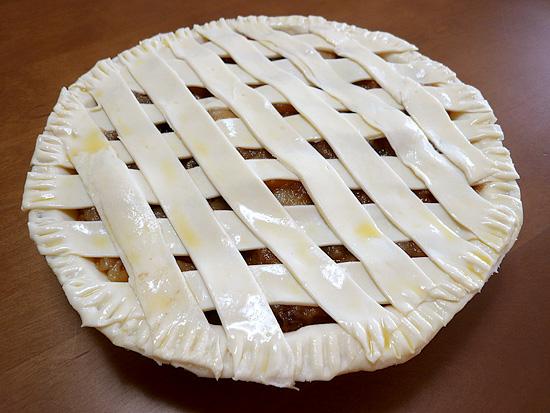 焼く前のアップルパイ