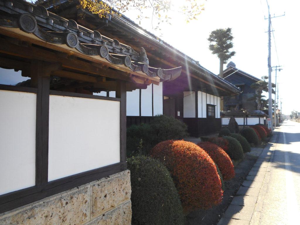 伝統的集落の塀